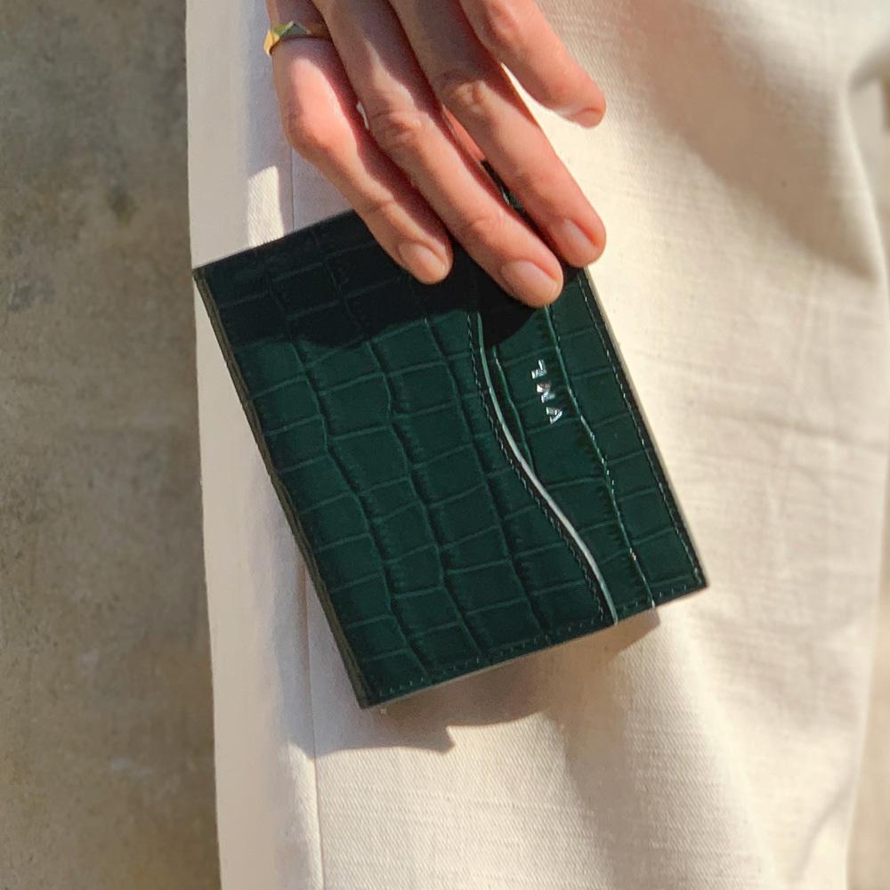 ★재입고★ CURVE CARD WALLET - GREEN